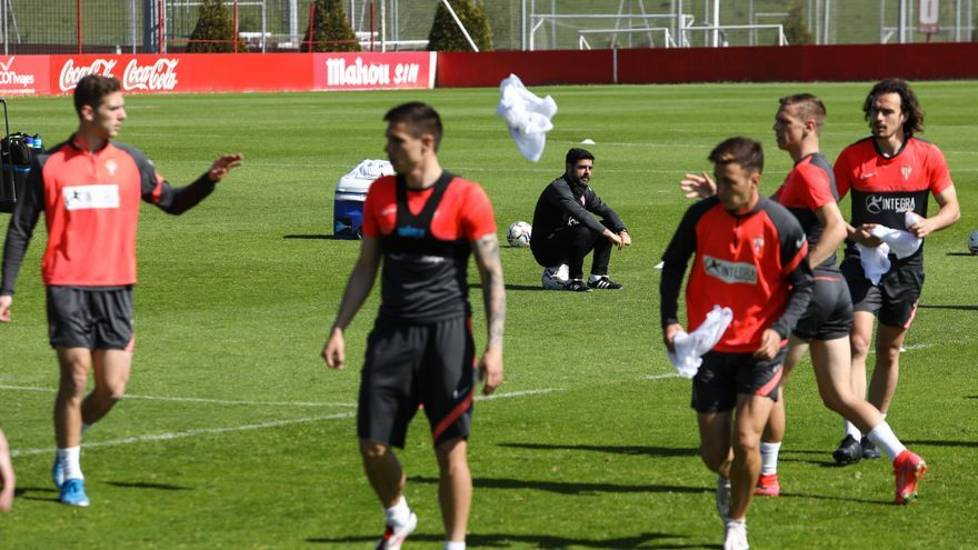 Borja López, Guille Rosas, Gragera y Nacho Méndez, novedades del Sporting en Zaragoza