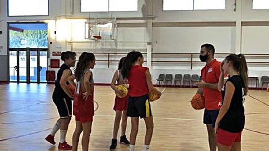 El Colegio El Pinar, sede de la final infantil provincial de baloncesto