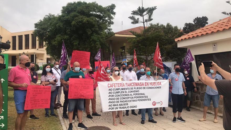 Los trabajadores de la cafetería de Parcemasa inician una huelga por impago de salarios