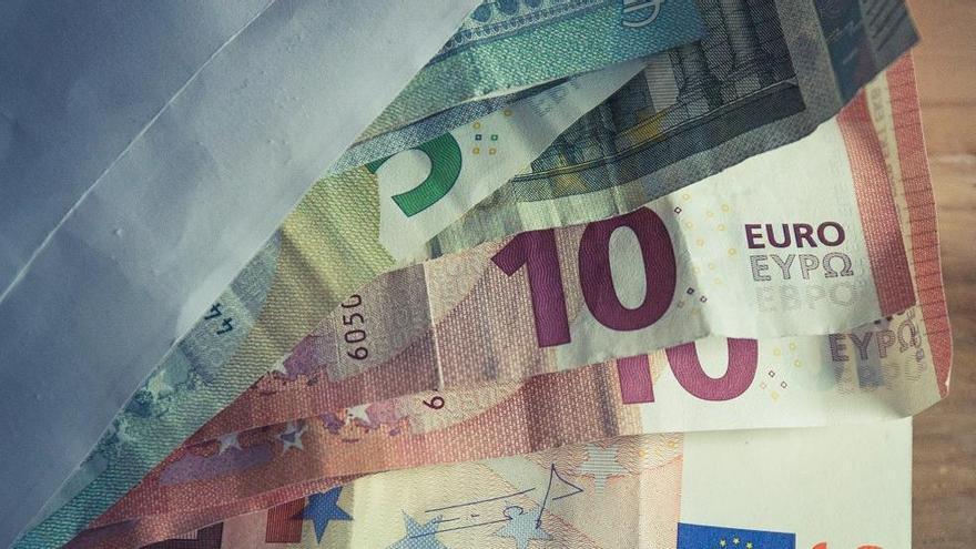Detenidos por comprar un piso con billetes falsos en València