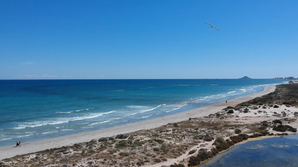 San Pedro del Pinatar: Playas naturales, lodoterapia y la mejor oferta gastronómica