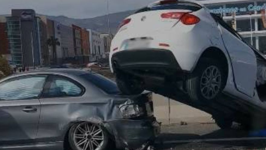 Aparatoso accidente en la GC-1