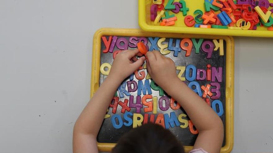 """Los padres de alumnos asturianos alertan de que la generación Covid """"saldrá peor formada"""""""