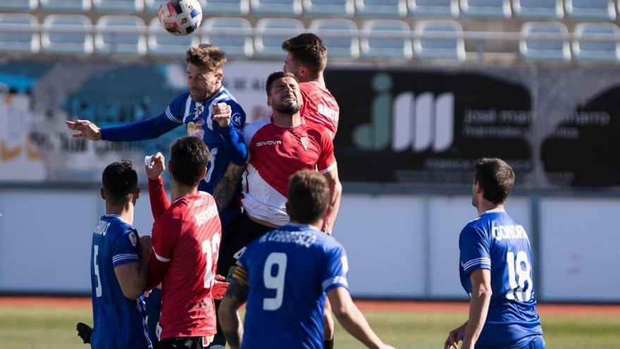 Hacer lo que es debido: el Córdoba CF se alimenta en Lorca
