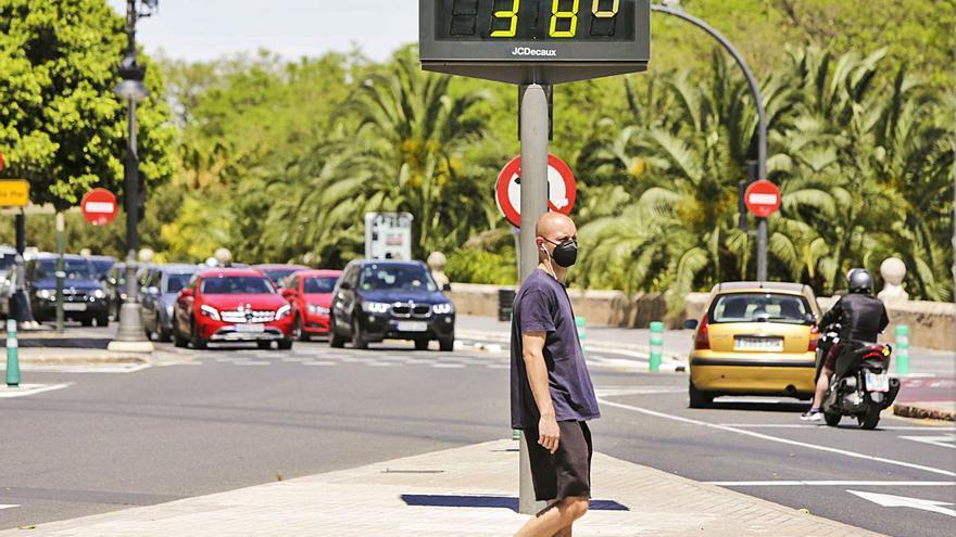 El poniente lleva a rozar los 35 ºC en València y Xàtiva