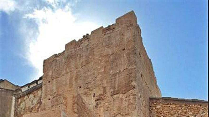 Riba-roja devuelve el esplendor a la torre árabe y su muralla