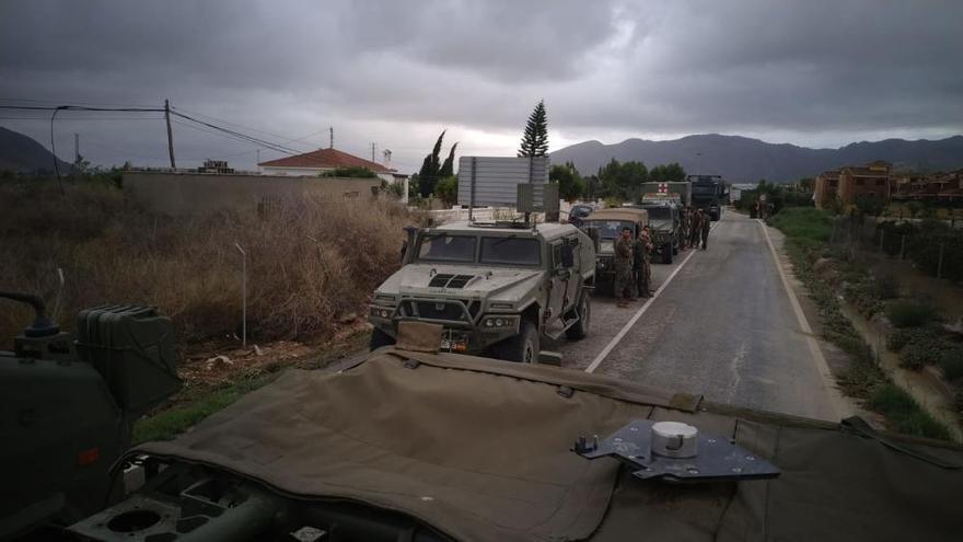 """Los """"boinas verdes"""" y la UME rescatan a personas aisladas en la Vega Baja"""