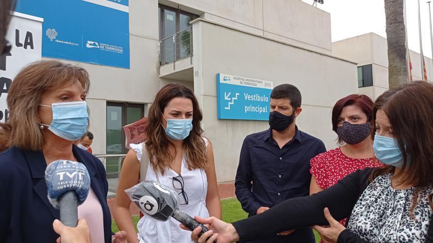 La Plataforma por la Sanidad 100x100 Pública y los representantes del Botànic reclaman el rescate del Hospital y un grupo de trabajadores les da la espalda