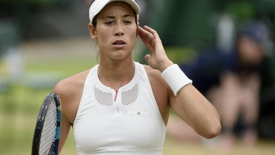Muguruza reina en Wimbledon tras arrollar a Venus Williams