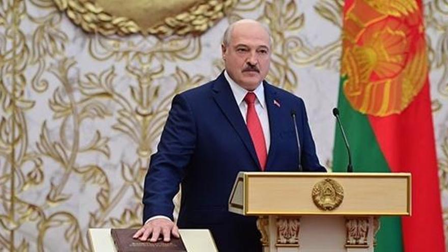Reino Unido congela los activos de Lukashenko por violar los derechos humanos