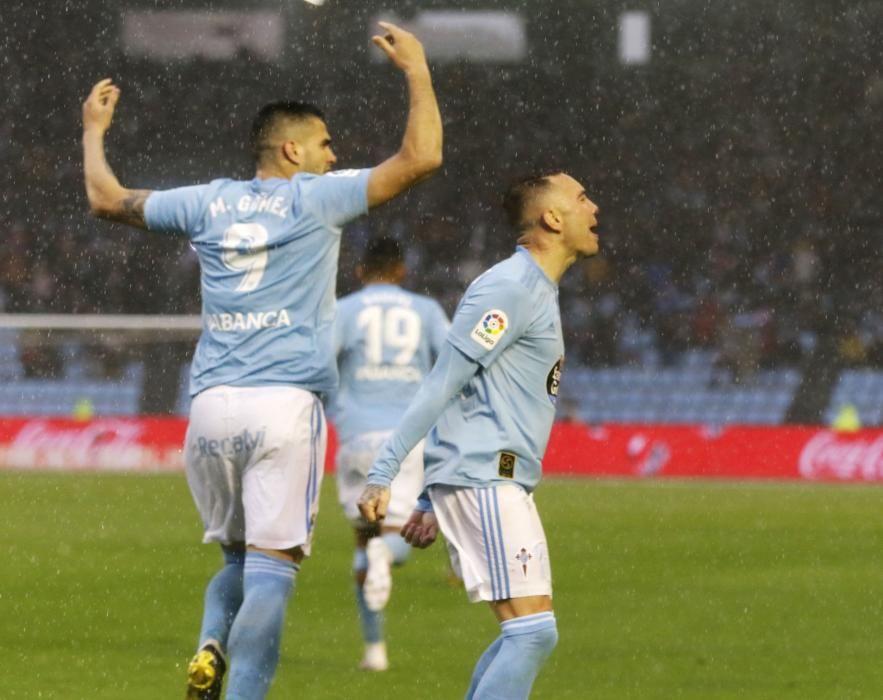 El Celta remonta bajo el diluvio y enloquece a Balaídos. // A. Villar | J. Lores | EFE