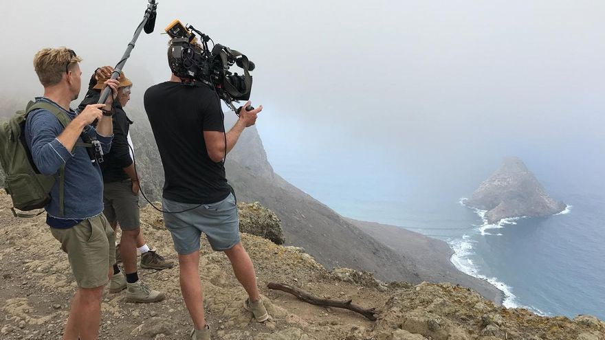 El Parlamento de Canarias emite un informe desfavorable a la modificación del REF por las ayudas al cine
