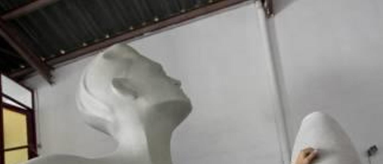 Una Sagrada Familia de sal emergerá en La Viña