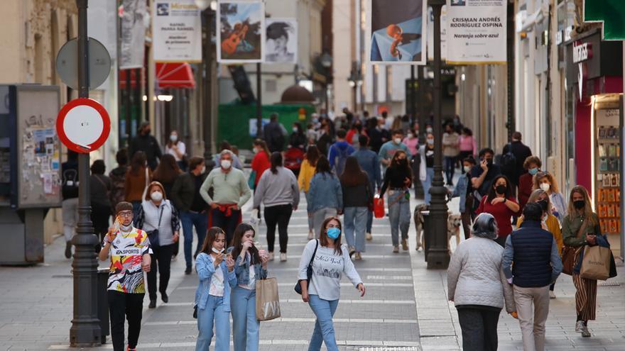 CCOO y UGT piden al comercio que se respete el horario de Feria