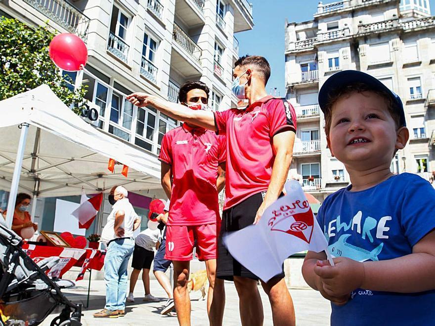 El arosismo se echa a la calle en Vilagarcía