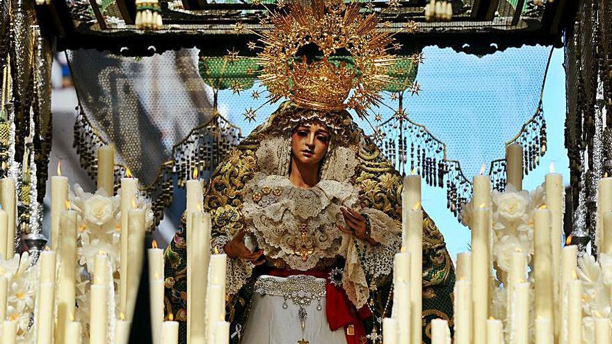 Una nueva corona para la Virgen de la Esperanza
