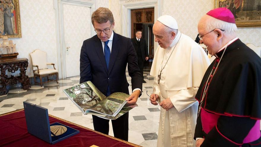 """Feijóo, tras su reunión con el Sumo Pontífice: """"Este Papa conoce a los gallegos"""""""
