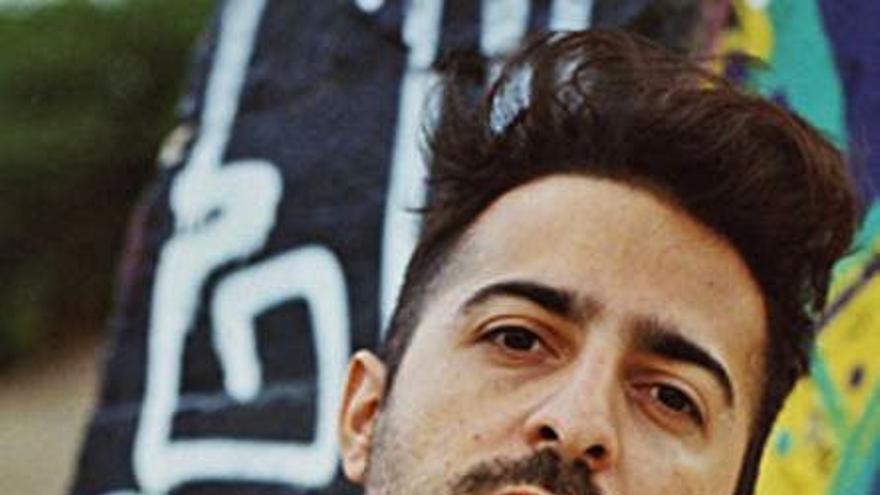 El Guincho gana su sexto Grammy Latino por la canción 'Yo x ti, Tú x Mí'