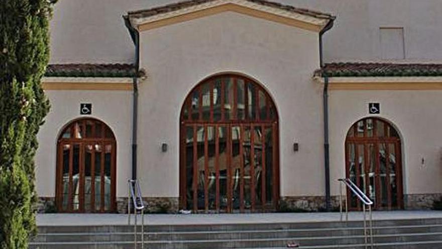Figueres amplia la seva oferta de formació d'adults amb la implantació del programa «Aula Mentor»
