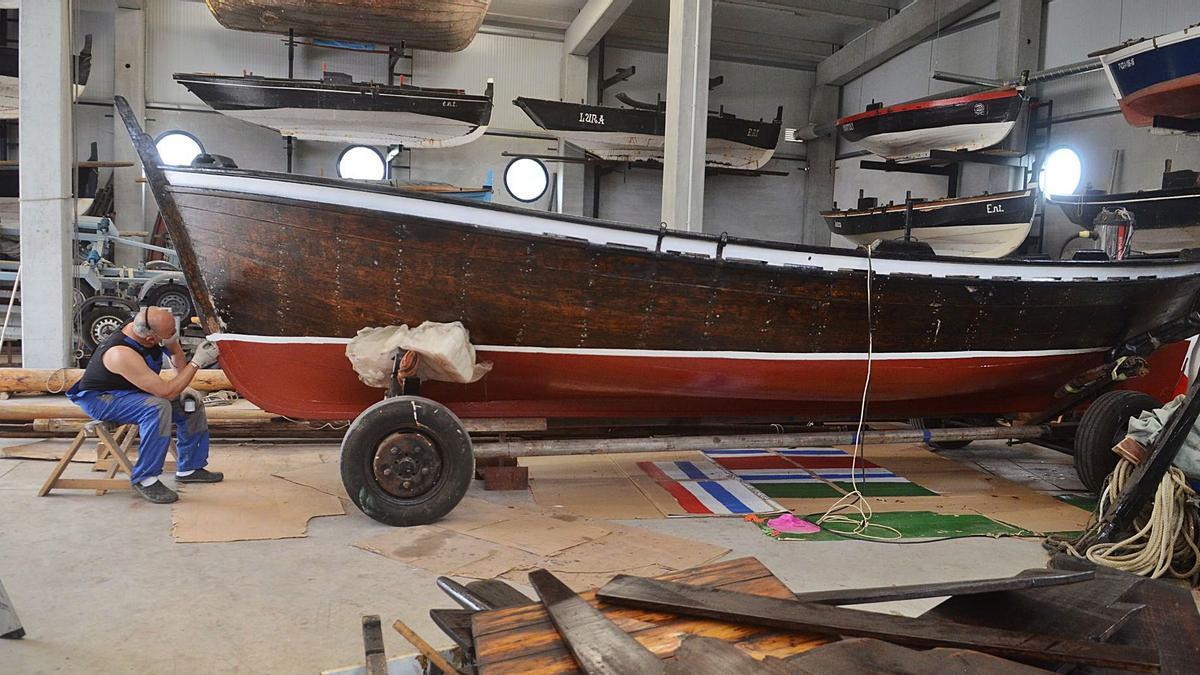"""A """"Nova Marina"""" atópase no centro de usos náuticos da Illa agardando para regresar ao mar."""