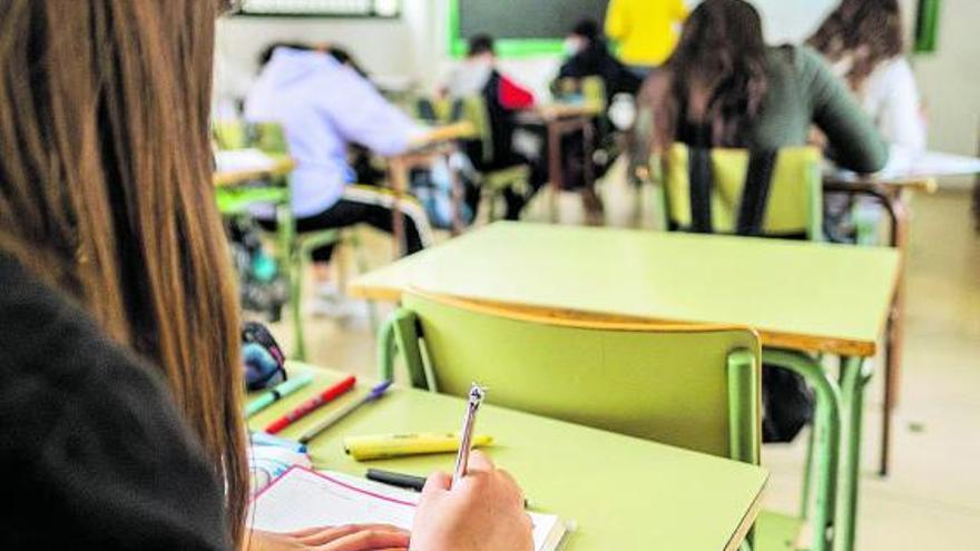 Canarias suaviza sus criterios para  evitar que los alumnos repitan curso