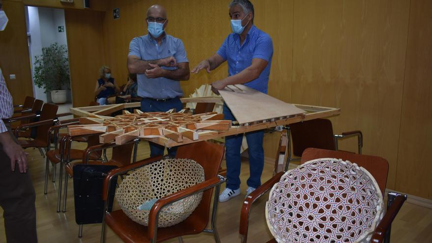 El Ayuntamiento de Puente Genil y AVAS organizan un taller de carpintería mudéjar