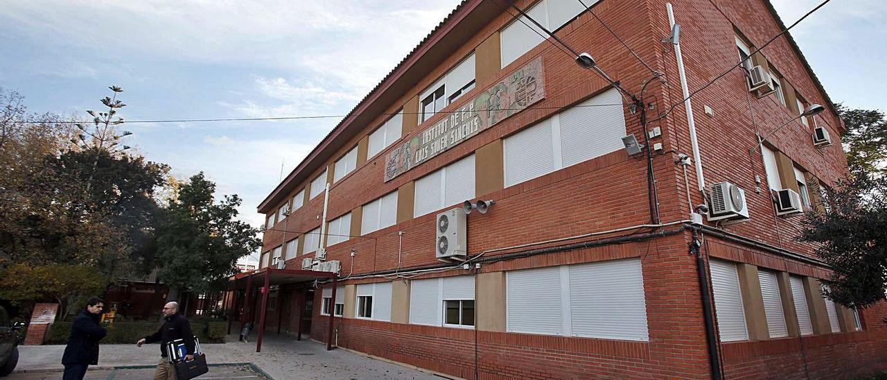 El instituto de FP Luis Suñer de Alzira, en una imagen de archivo. | VICENT M. PASTOR
