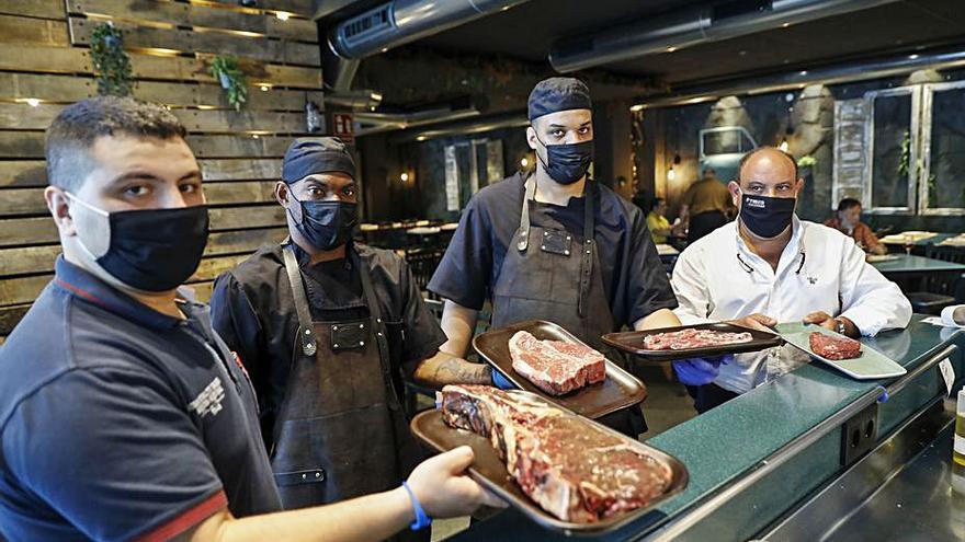 La mejor carne de buey se saborea en El Molinón