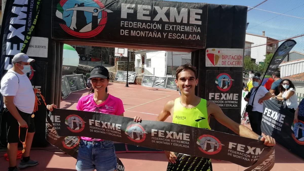Elizabeth Vaquero y Mario Mirabel, ganadores de la XII Crono Asperillas.