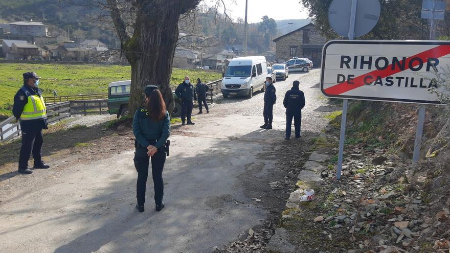 El paso fronterizo de Rihonor de Castilla se traslada a la carretera general