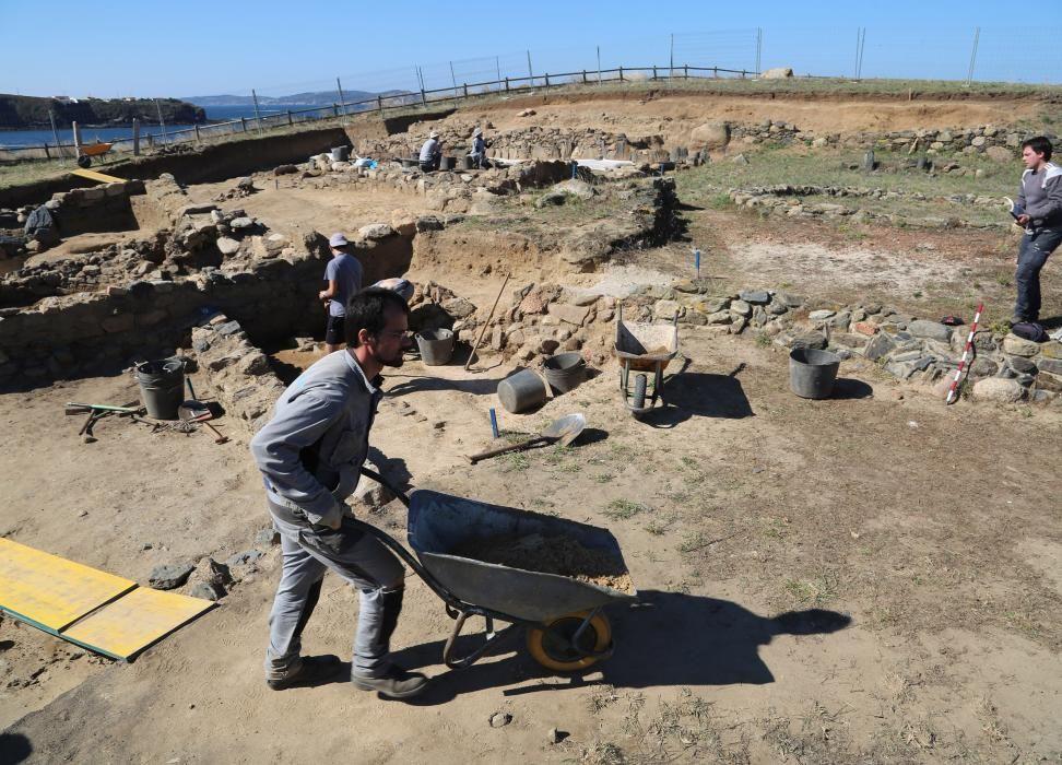 Localizan el esqueleto de un bebé de 2.000 años