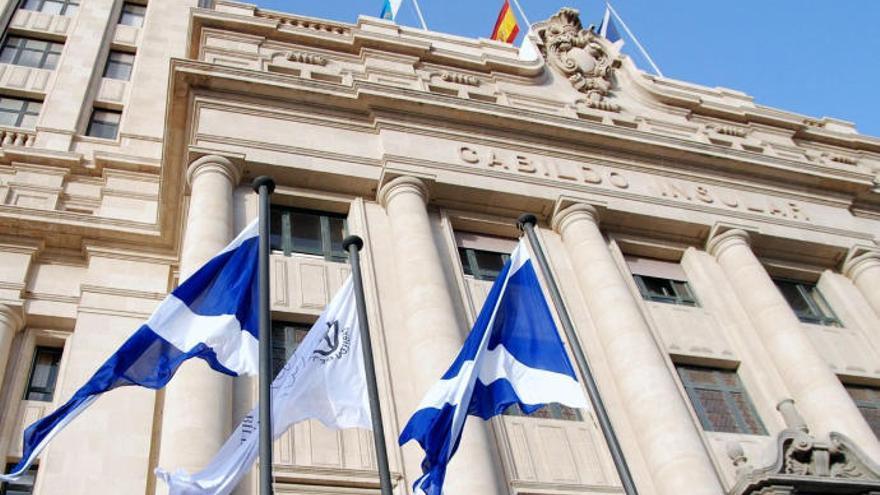 """CC-PNC teme una """"caza de brujas"""" en el Cabildo de Tenerife con despidos masivos"""