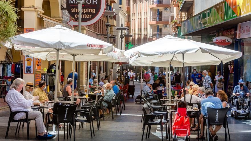 El paro se reduce en la provincia de Alicante en 2.992 personas por el impulso del turismo