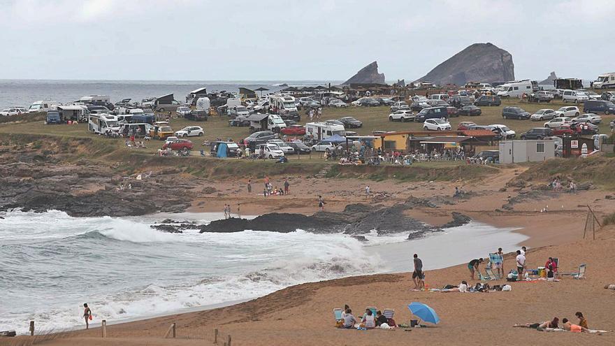 El Principado proyecta un parque-playa de Verdicio que ordenará el uso de la zona