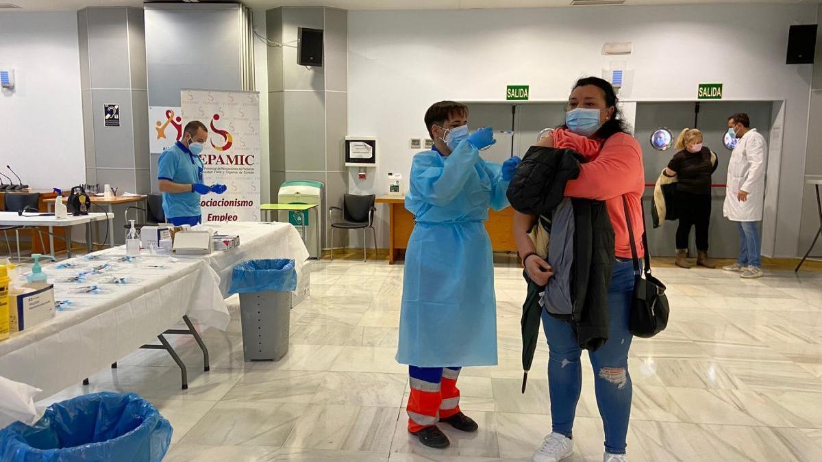 Fepamic administra la segunda dosis de la vacuna del covid-19 en su residencia