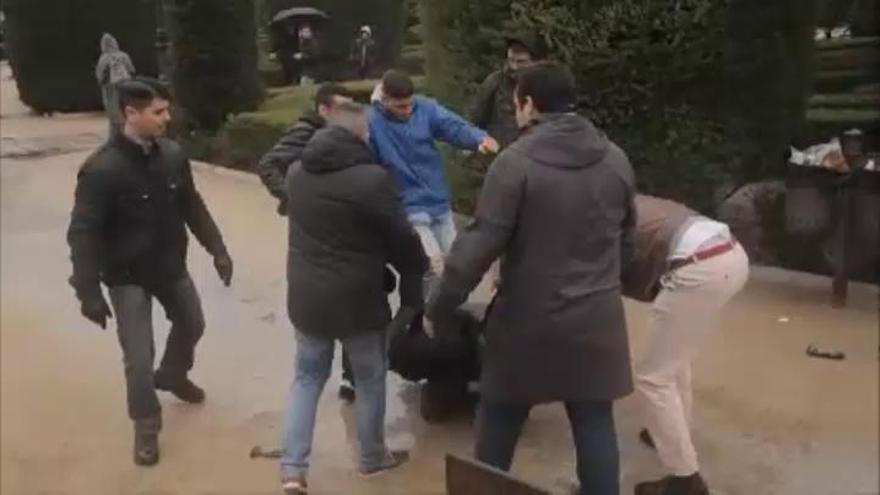 El activista Lagarder, agredido por un grupo de fascistas