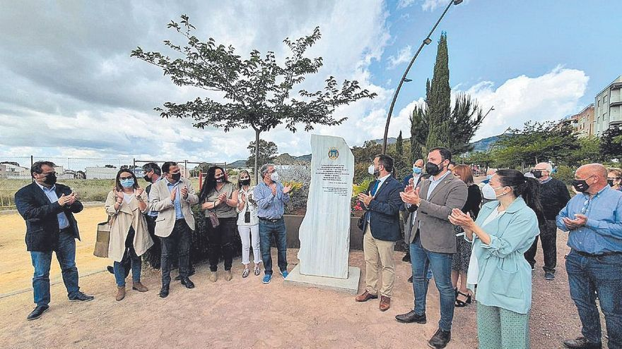 Un parque en el barrio de La Viña en recuerdo de las nueve víctimas