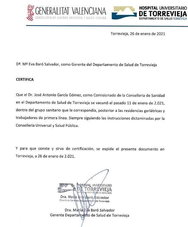 Certificado firmado por la gerente del departamento de salud de Torrevieja, Eva Baró