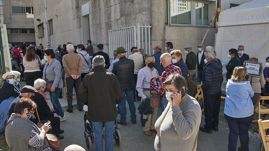 Vacunan en Lalín, A Estrada y Silleda a unas 900 personas mayores de 80 años
