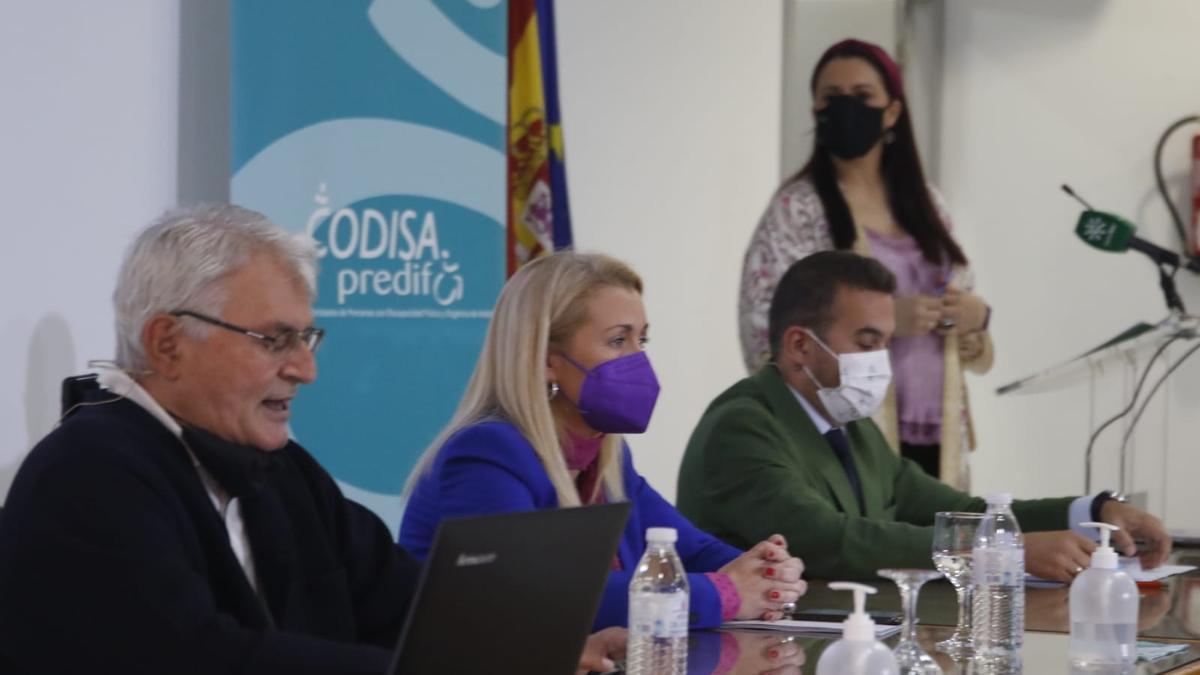 Antonio Hermoso, Laura Fernández, Marcial Gómez, en la presentación de las jornadas.