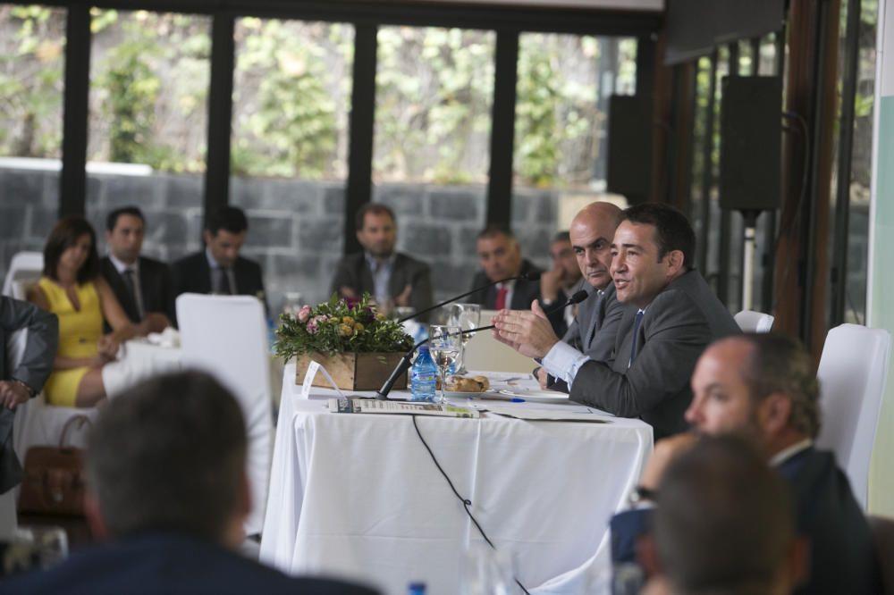 Un momento de la conferencia de Manuel Illueca