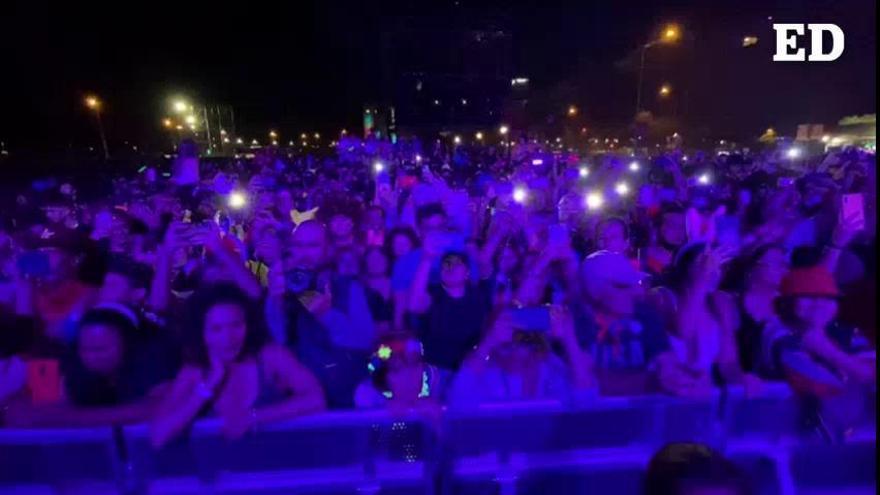 Público en los conciertos del Sábado de Piñata en el Carnaval de Santa Cruz de Tenerife