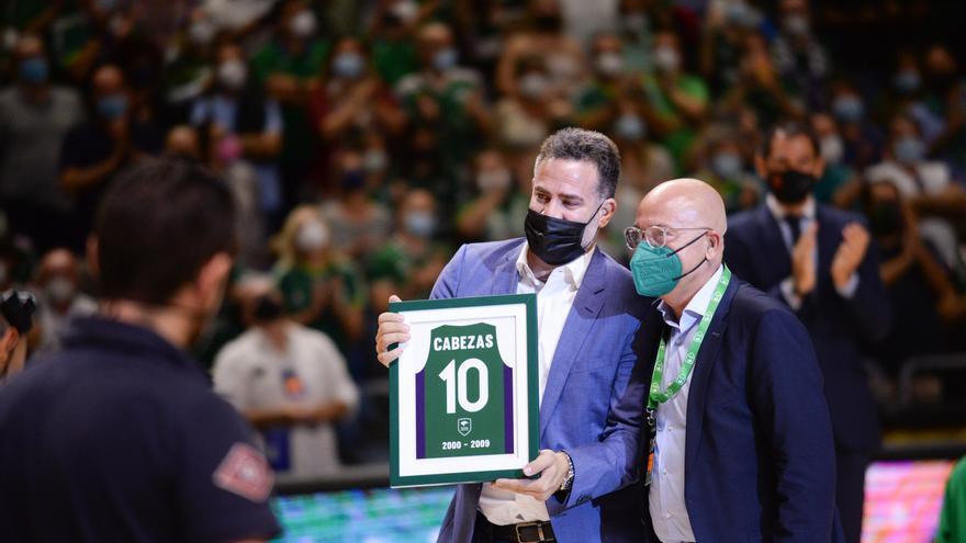 El Unicaja retira el '10' de Carlos Cabezas