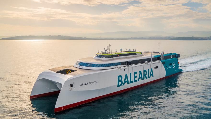 Viajar a Ibiza y Palma a bordo del 'fast ferry' más sostenible e innovador del mundo ya es posible