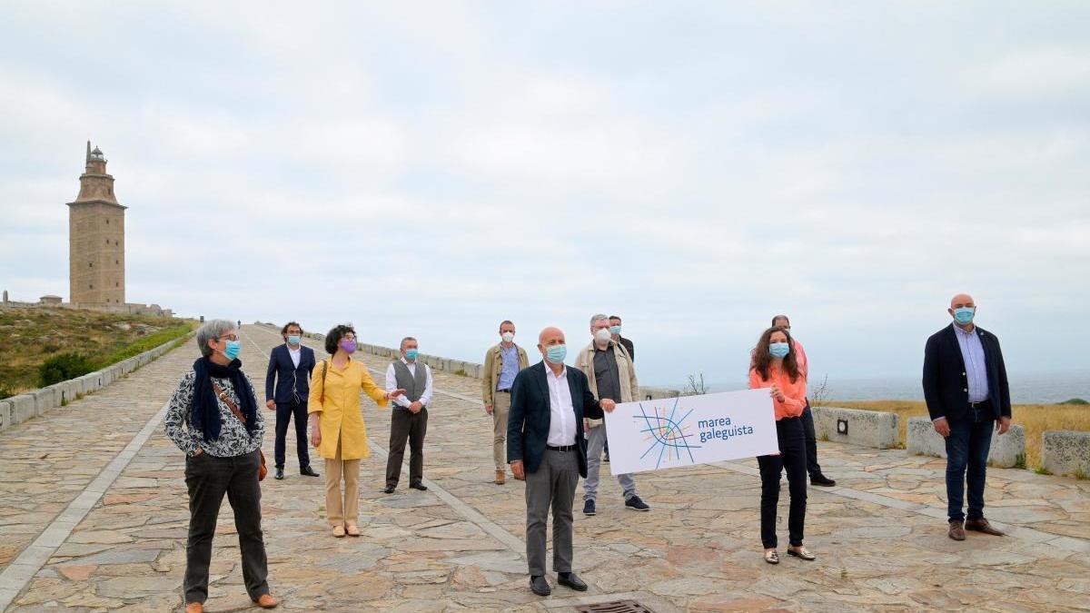 Marea Galeguista, con Pancho Casal, en A Coruña.  // Efe / Cabalar