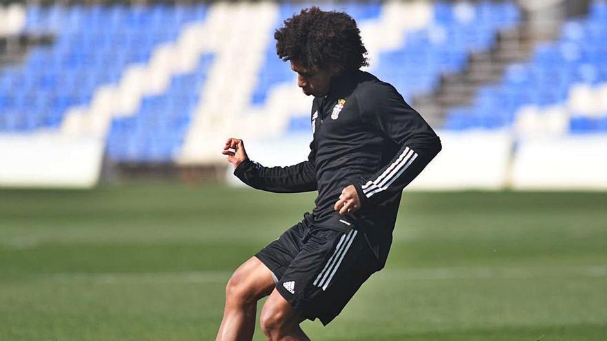 Adalberto Carrasquilla, en el entrenamiento de ayer. | FC CARTAGENA