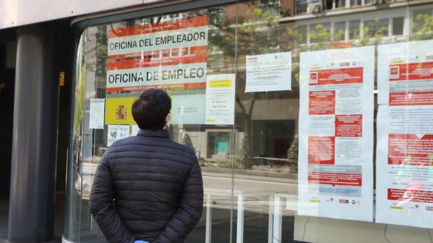 Los bancos anticiparán el pago de las prestaciones por desempleo