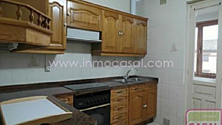 145.000 € Venta de casa en Heros (Avilés), 3 habitaciones, 1 baño...