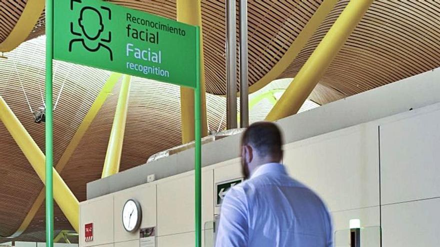 El reconeixement facial arriba a l'aeroport de Girona