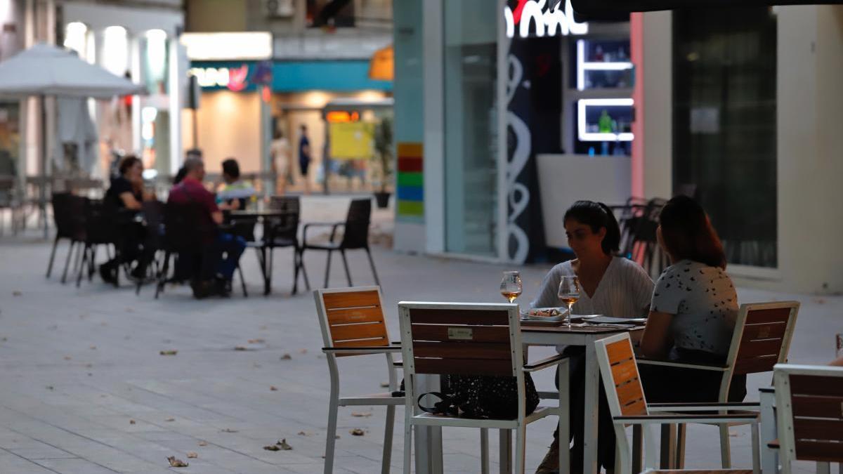 La ciudad de Murcia cierra a las 22 horas